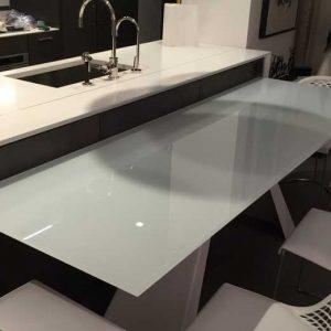میز شیشه ای آشپزخانه