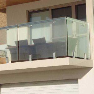 بالکن شیشه ای