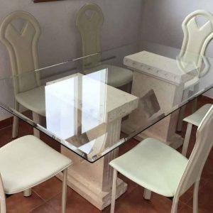 شیشه روی میز ناهارخوری
