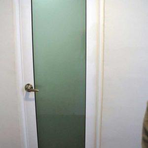 درب آلومینیومی سرویس بهداشتی