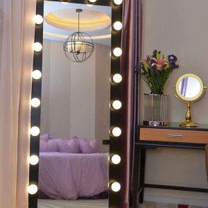 آینه دور لامپ