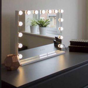 آینه های لامپی