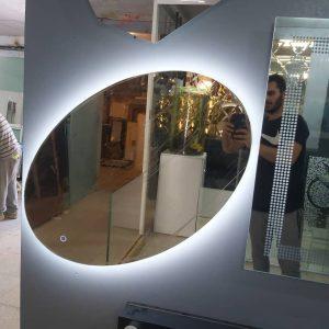 آینه چراغ دار سرویس بهداشتی