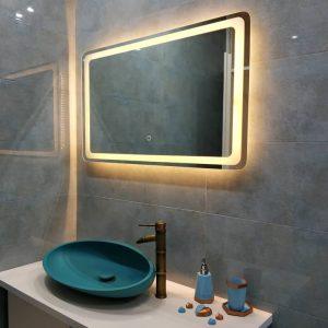 آینه لمسی سرویس بهداشتی